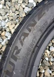 Pneu Bridgestone turanza Usado 225.45 R17 (1)