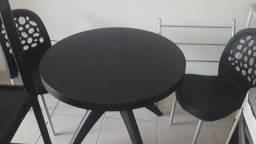 Mesa 2 cadeiras
