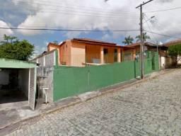EF) JB16570 - Casa e terreno com 715,50m² na cidade de Cabo Verde em LEILÃO