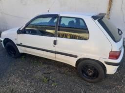 Peugeot 2000 - 980,00 Reais