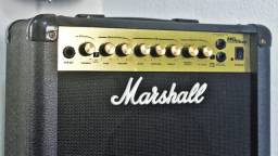 Cubo para Guitarra Marshall MG15 Dfx\Distortion\Delay\Reverb\Chorus\ Seminovo.