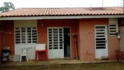Casa na Wtores de três quartos podendo ser financiado, preço de 190.000