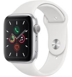 Apple Watch / Série 5 / 44mm / 1 ano de garantia / Silver (prata)
