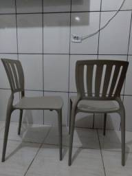 Cadeiras Tramontina suporta (180quilos )