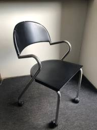 Cadeira tokstok de metal