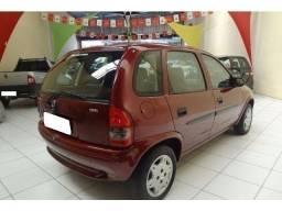 Gm- Corsa R$ 5.000,00 ano 2000