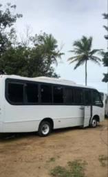 Ônibus executivo em perfeito estado .  Ar condicionado Frigobar e banheiro