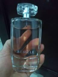 Vendo perfume rebelle