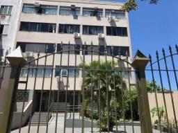 Apartamento no centro de frente ao colégio São José