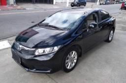 Honda Civic 2013 carro com passagem por leilão porém novinho