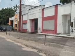Área comercial na Avenida Augusto Montenegro.