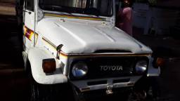 Toyota Bandeirante ano 86 em dias