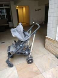 Vendo carrinho de bebê semi novo.
