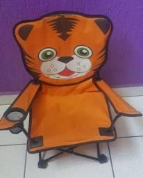 Cadeira Infantil dobrável com porta copo