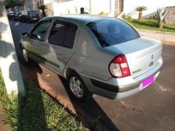Clio Sedã 2005 completo