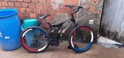 Vendo Essa Bicicleta Que rebaixa Janta Caixao 70 raios  500 reais