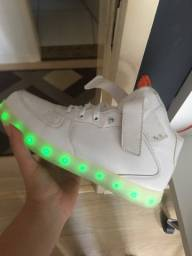 Tenis LED nunca usado