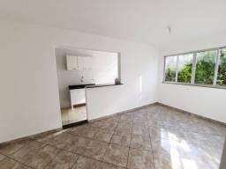 Lindo apartamento de 2 qts - Camorim