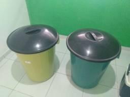 2 baldes de 100 litros