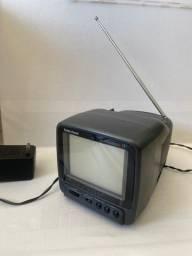 Título do anúncio: Tv e rádio portátil analógica preto e branco