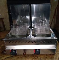 Fritadeira Industrial A Gás 2 Cubas Inox Fritador. Com 3 meses de uso! Super novo.