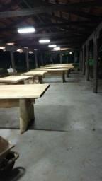 Mesa rústicas de madeira