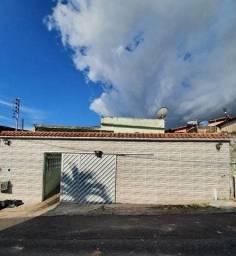 Casa 3 suítes/ Flores/ Ao lado do Conj. Dom Bosco/ Próximo da Nilton Lins