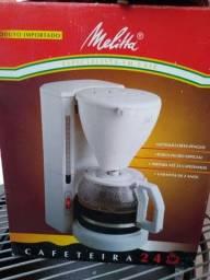Cafeteira Melitta, 24 cafés. Na caixa. 220w