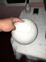 Bola original com marcas de uso