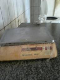 Vende-se Balança Filizola c/ emissão etiqueta