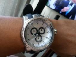3e3f972667d Relógio grande em aço inox