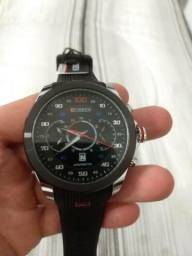 8738f9a8118 Relógio curren emborrachado
