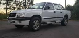 Atencao vendo GM S10 2005 mwm diesel 2.8 4X4 completa muito nova para pessoas egixentes - 2005