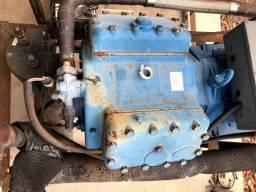 Compressor semi hermético Bock