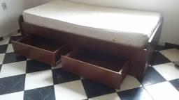 Cama de Solteiro em madeira s/colchão