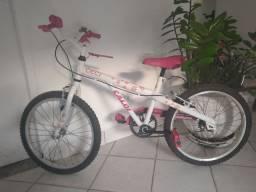 Bicicleta aro 20 menina/ caloi
