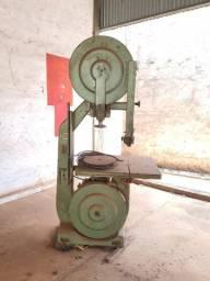 Máquina Serra Fita Invicta para Madeira sistema trifásico