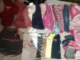 Combo de roupas de menina de aproximadamente 8 anos