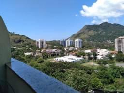 Apartamento Duplex , Barra Bonita , 2 qts , andar medio , localização privilegiada