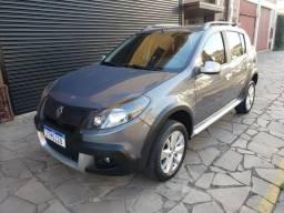 Renault - Sandero Stepway 1.6 8v - bancos em couro