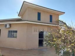 Título do anúncio: Casa com 4 dormitórios à venda, 296 m² por R$ 850.000,00 - Parque Bandeirante - Rio Verde/