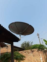 Duas antenas.