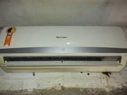 Ar-condicionado retirada de peças.