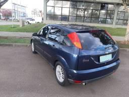 Vende-se Ford Focus 2001 Cor azul