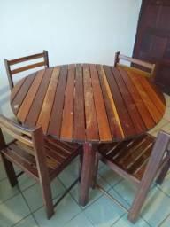 Mesa redonda 4 lugares de madeira