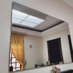 Espelho grande de parede