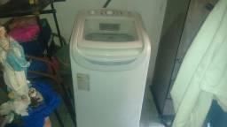 Máquina de lavar, em bom estado.