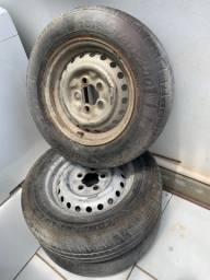 Vendo pneus com rodas e motor 1600 kombi