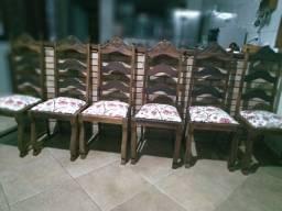 6 cadeiras antigas de madeira maciça