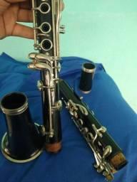 Clarinete Yamaha 355  (troco por flauta transversal)